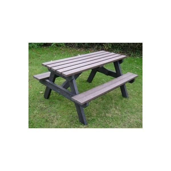 Square standard picnic table 2 legs