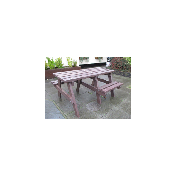 Square wheelchair access picnic table