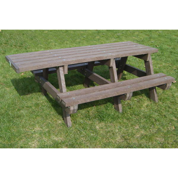 Square extended wheelchair access picnic table