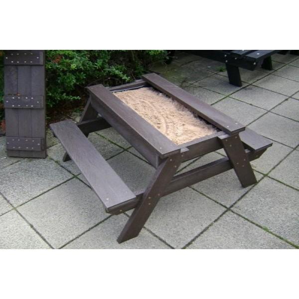 Square henton sand pit table