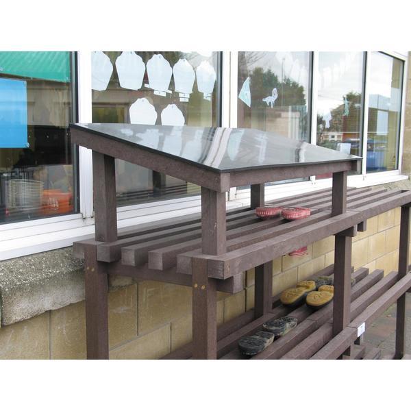 Square exterior shelving roof unit