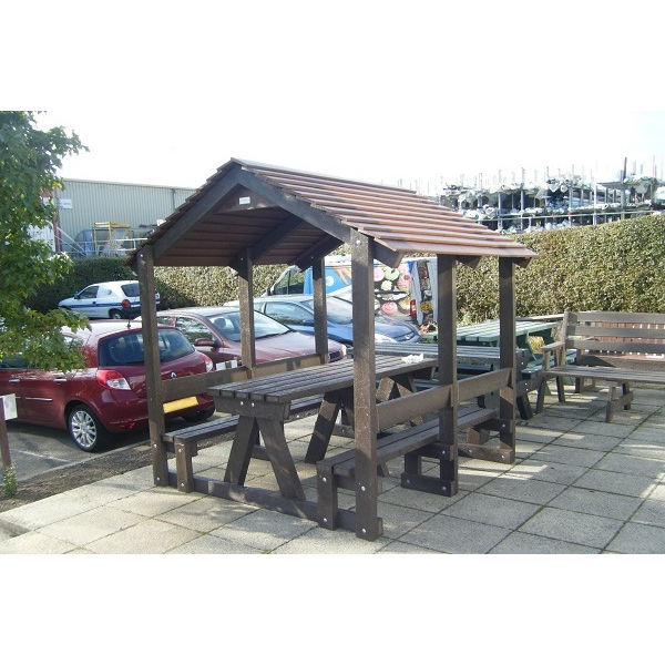 Square sheltered seat